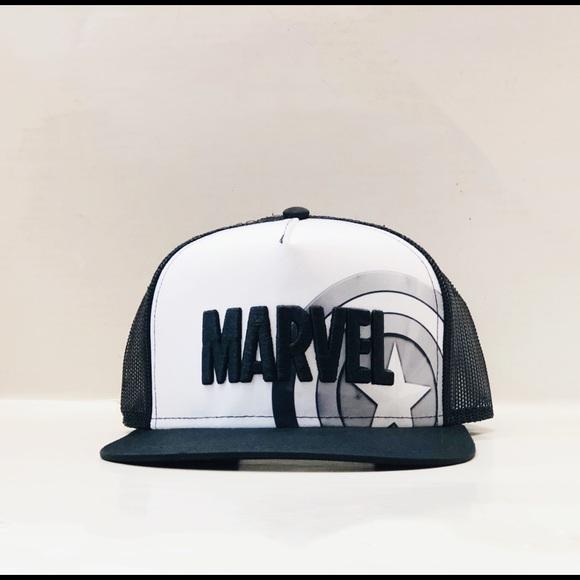 Marvel Other - Men's captain America trucker hat